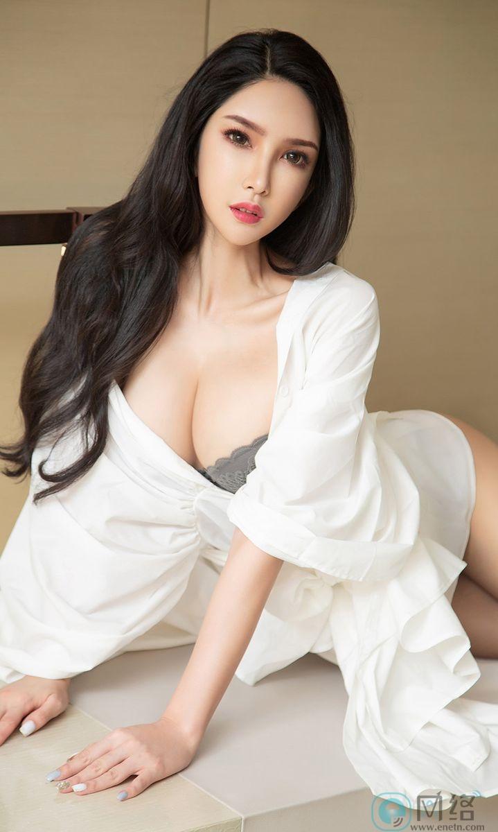 长发嫩白美女球球白色浴袍性感灰内衣火辣诱惑 宅福利 第7张