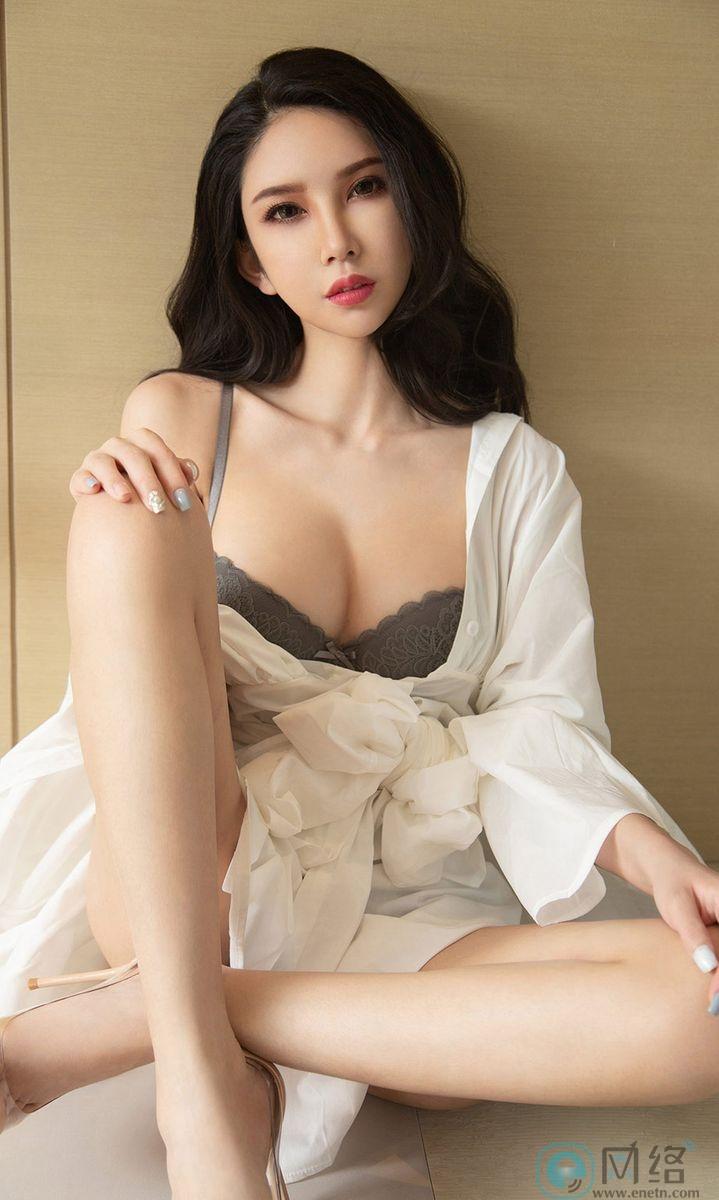 长发嫩白美女球球白色浴袍性感灰内衣火辣诱惑 宅福利 第12张