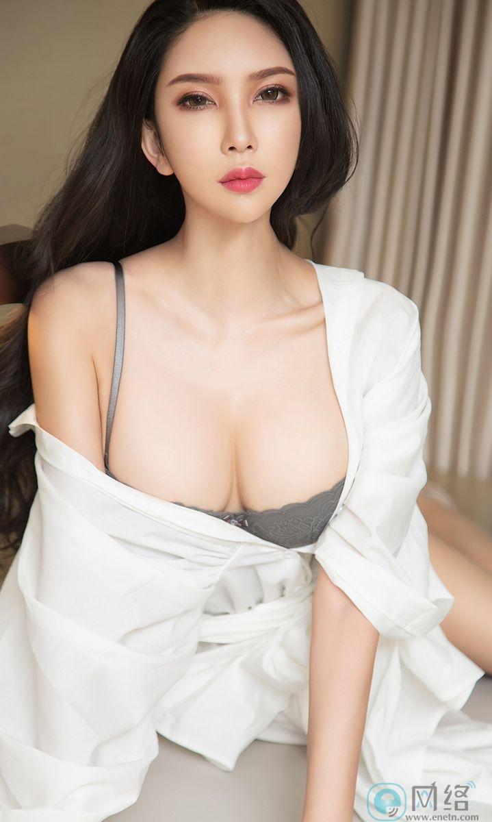 长发嫩白美女球球白色浴袍性感灰内衣火辣诱惑 宅福利 第13张